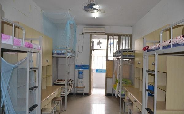 学生能为学校做什么_重庆八中王俊凯寝室照_高三网
