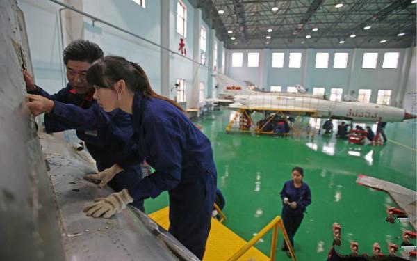 飞机控制设备与仪表
