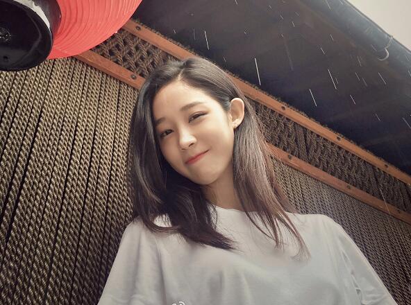 中国传媒大学校花李炫臻