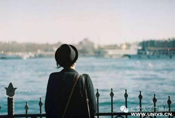 [大学一个人孤独怎么办]在大学,孤独是一种常态