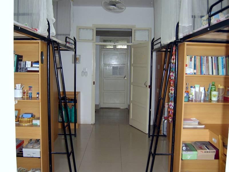 宿舍是分四人间和六人间,宿舍分配是由三峡大学后勤集团公寓办统一图片