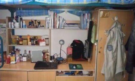 以下是西安外事学院宿舍条件:   学生住宿实行公寓化管理.