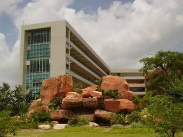 1吉林大学珠海学院校园环境