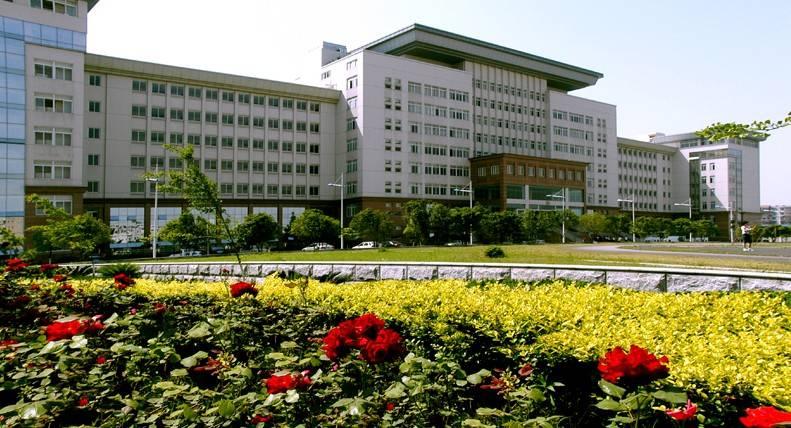 是由原武汉工业大学,武汉交通科技大学,武汉汽车工业大学于2000年5月