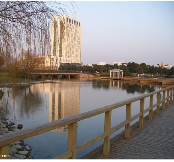 上海工程技术大学宿舍怎么样