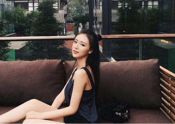 北京电影学院校花于昕仡图片