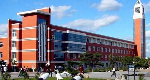 东北师范大学 净月校区一角