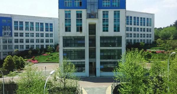 贵州事业技术学院 教养养学楼